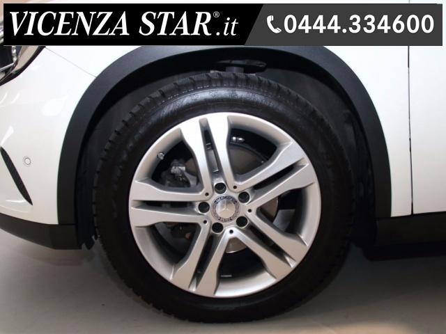 MERCEDES-BENZ GLA 200 d AUTOMATIC SPORT Immagine 4