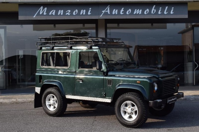 LAND ROVER Defender 90 2.4 TD4 Station Wagon Immagine 0