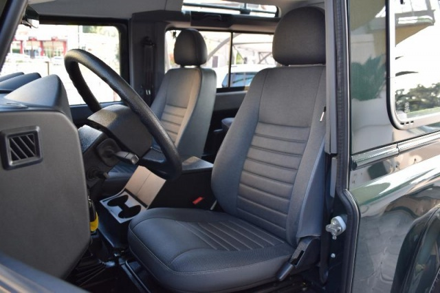 LAND ROVER Defender 90 2.4 TD4 Station Wagon Immagine 4