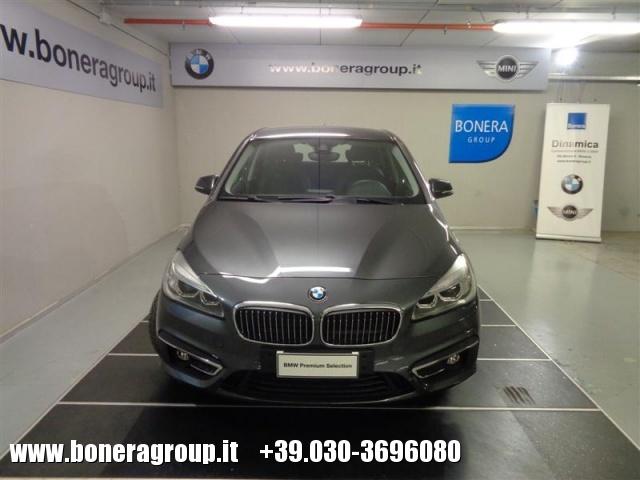 BMW 218 d Active Tourer Luxury - DOPPIO TRENO GOMME Immagine 2