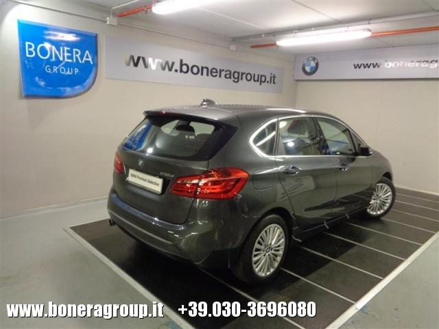 BMW 218 d Active Tourer Luxury - DOPPIO TRENO GOMME Immagine 4