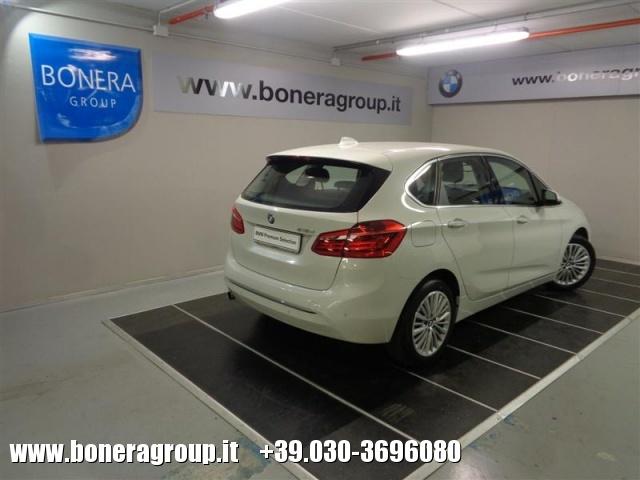 BMW 216 d Active Tourer Luxury - DOPPIO TRENO GOMME Immagine 4