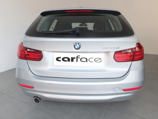 BMW 320 D Touring - AUTOMATICO-NAVI-PDC Immagine 3