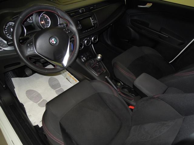 ALFA ROMEO Giulietta 1.6 JTDm-2 105 CV Sprint Immagine 4