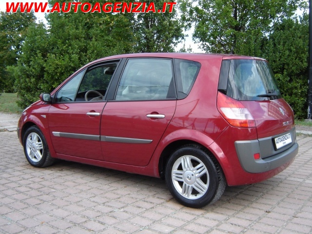 RENAULT Scenic 1.9 dCi Luxe Dynamique Immagine 2