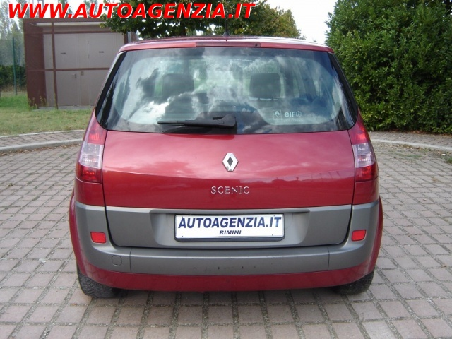 RENAULT Scenic 1.9 dCi Luxe Dynamique Immagine 4