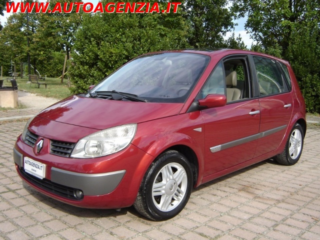 RENAULT Scenic 1.9 dCi Luxe Dynamique Immagine 0