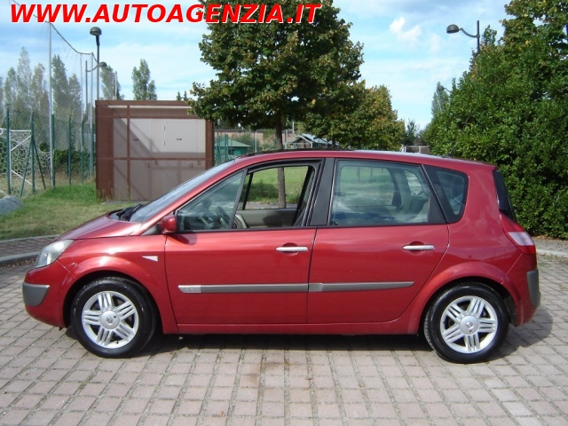 RENAULT Scenic 1.9 dCi Luxe Dynamique Immagine 1