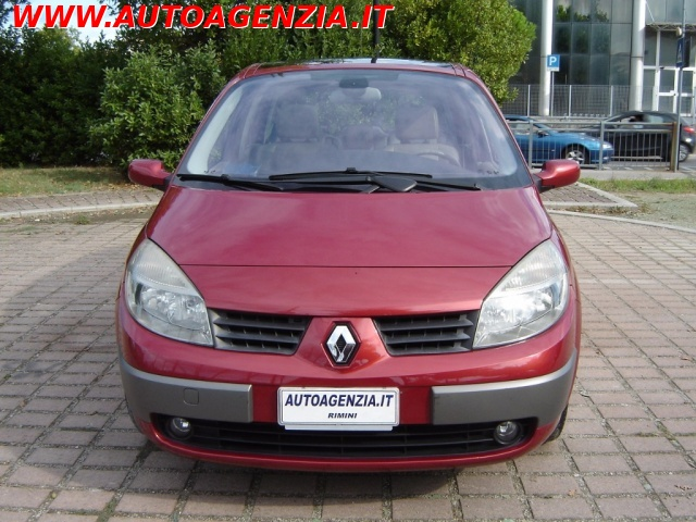 RENAULT Scenic 1.9 dCi Luxe Dynamique Immagine 3