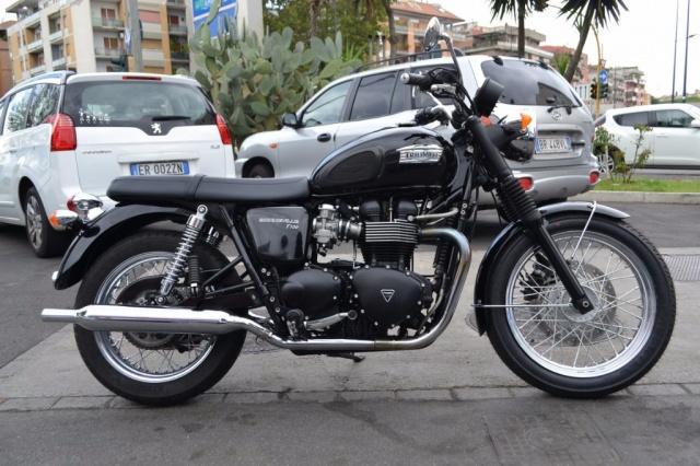 TRIUMPH Bonneville T100 2o12 euro3 Completamente originale Immagine 2