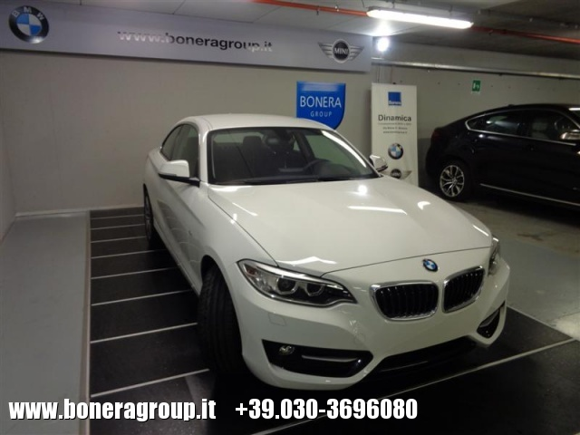 BMW 218 d Coupé Sport Immagine 2