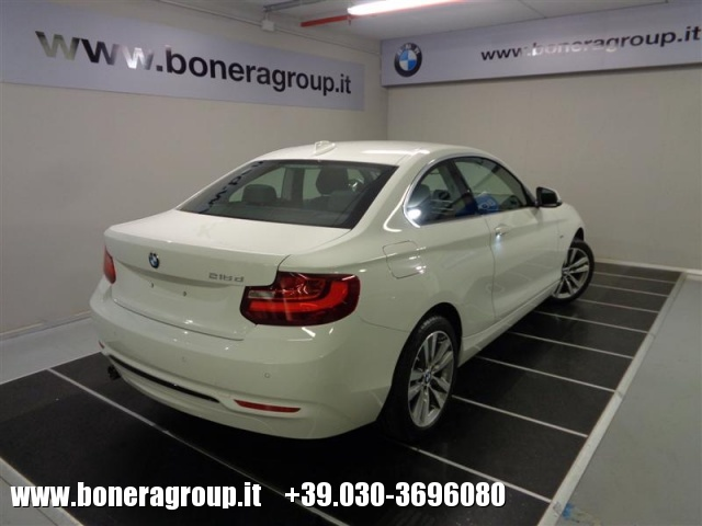 BMW 218 d Coupé Sport Immagine 3