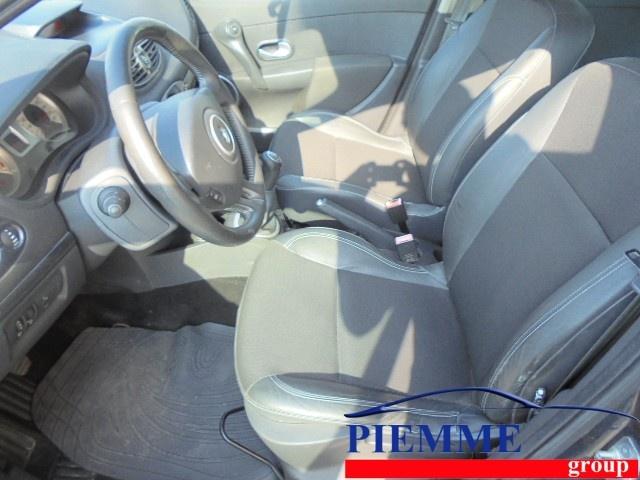 RENAULT Clio 1.2 16V TCE 100CV 5 porte Le Iene Immagine 3