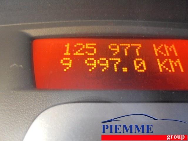 RENAULT Clio 1.2 16V TCE 100CV 5 porte Le Iene Immagine 4