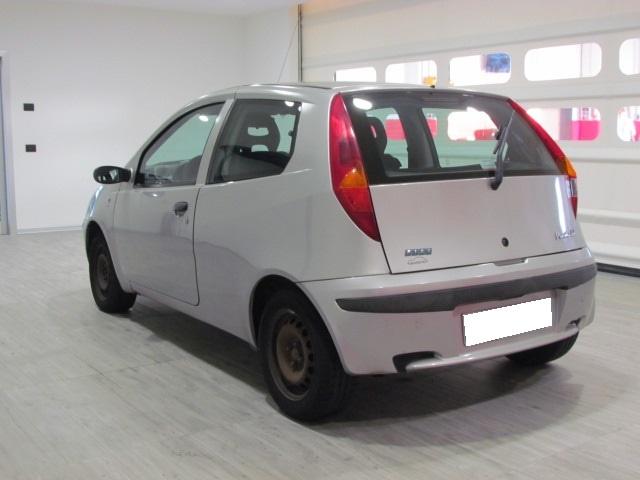 FIAT Punto 1.9 JTD 86CV 3P Immagine 1