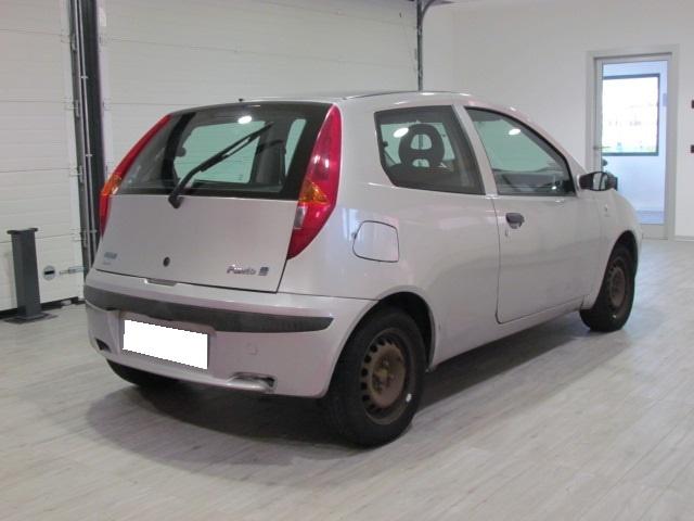 FIAT Punto 1.9 JTD 86CV 3P Immagine 2