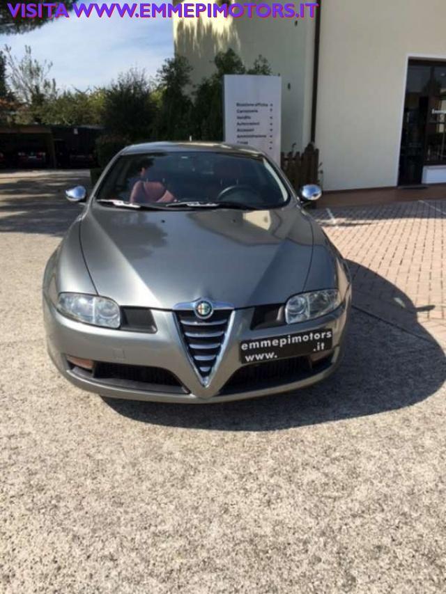 ALFA ROMEO GT 1.9 MJT 16V Distinctive Immagine 0