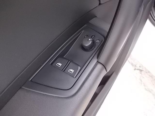 AUDI A1 1.6 TDI S tronic S line edition Immagine 4
