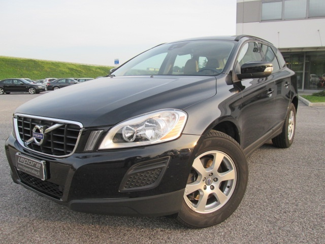 VOLVO XC60 D3 Geartronic Kinetic Immagine 0