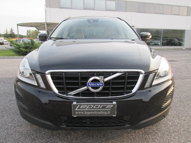 VOLVO XC60 D3 Geartronic Kinetic Immagine 1