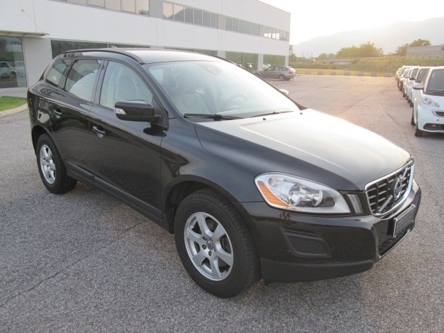 VOLVO XC60 D3 Geartronic Kinetic Immagine 2
