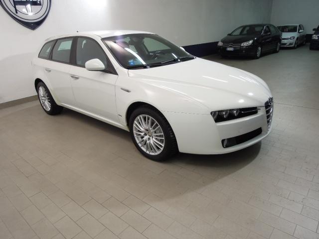 ALFA ROMEO 159 2.0 JTDm Sportwagon*NAV SAT*PELLE/TESSUTO* Immagine 1