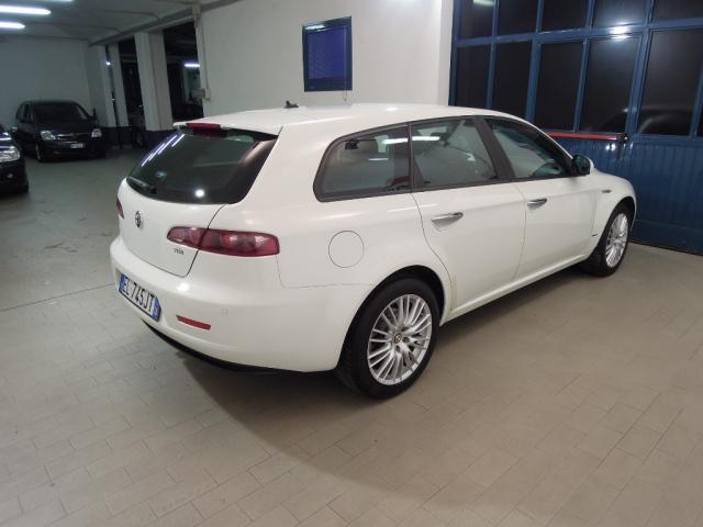 ALFA ROMEO 159 2.0 JTDm Sportwagon*NAV SAT*PELLE/TESSUTO* Immagine 3