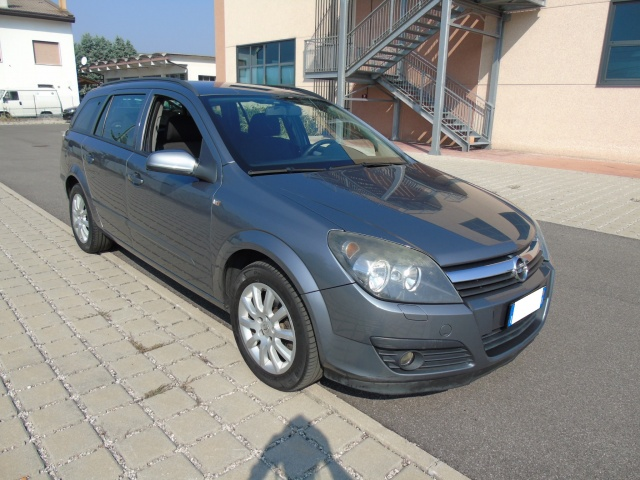 OPEL Astra 1.7 CDTI 101CV Station Wagon Enjoy Immagine 3