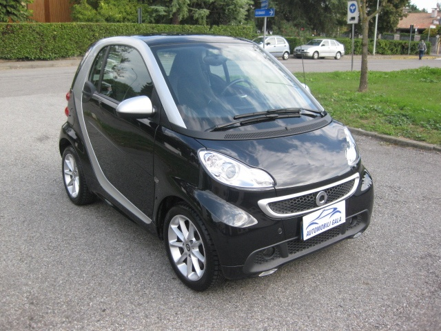 SMART ForTwo 1000 52 kW MHD passion EURO 5/B Immagine 2