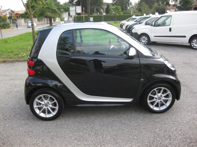 SMART ForTwo 1000 52 kW MHD passion EURO 5/B Immagine 4