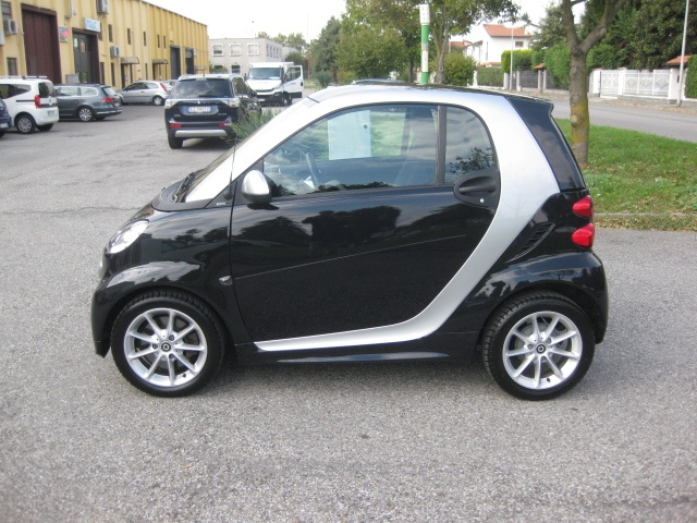 SMART ForTwo 1000 52 kW MHD passion EURO 5/B Immagine 3