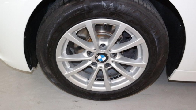 BMW 318 d Touring Immagine 3