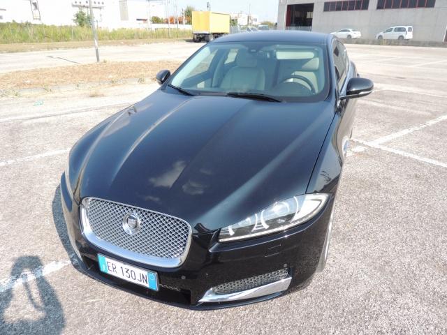 JAGUAR XF 2.2 D 200 CV Luxury Immagine 3