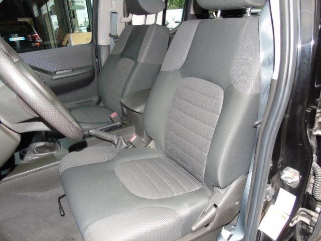 NISSAN Navara 2.5 dCi 190CV Double Cab 4X4 Immagine 4