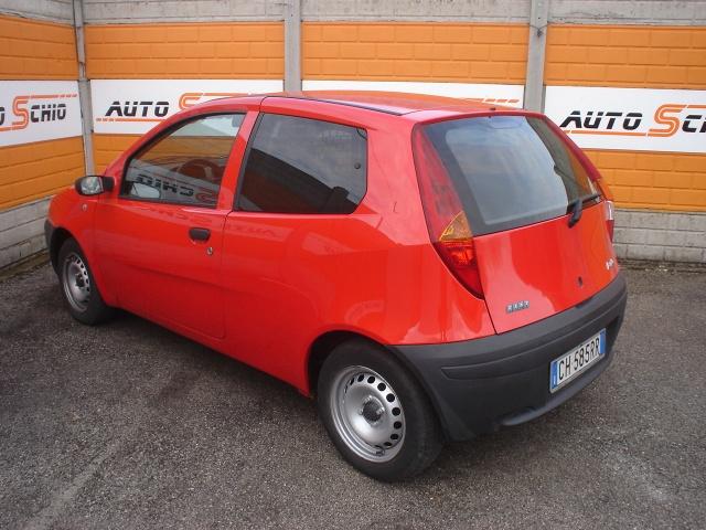 FIAT Punto Van 1.9 DS Immagine 1