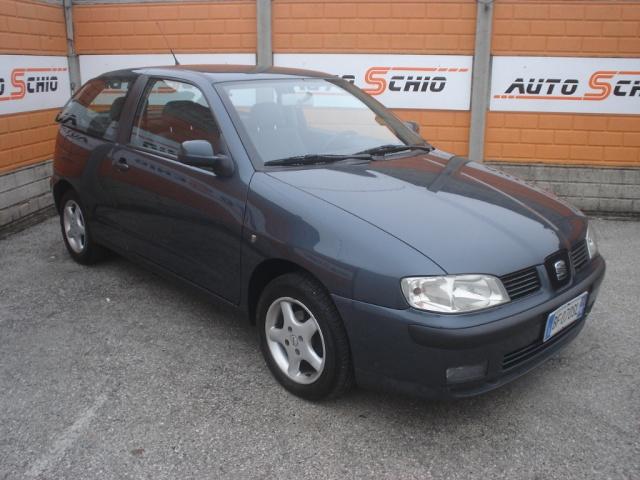 SEAT Ibiza 1.4 cat 3 porte Signo Immagine 0