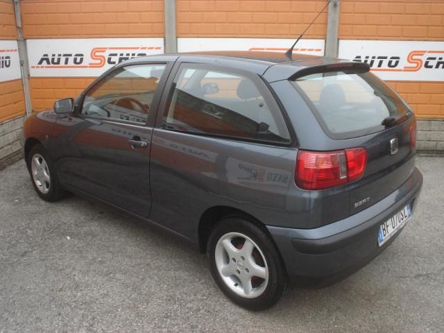 SEAT Ibiza 1.4 cat 3 porte Signo Immagine 1