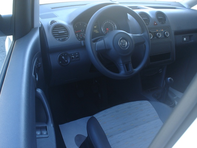 VOLKSWAGEN Caddy 1.6 TDI 102 CV 4p. Van Immagine 2