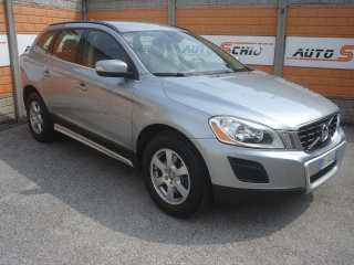 Volvo xc60 usato d3 awd geartronic momentum