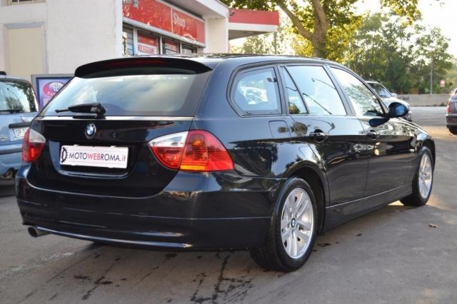 BMW 320 d Touring Attiva Automatica 177CV Immagine 2