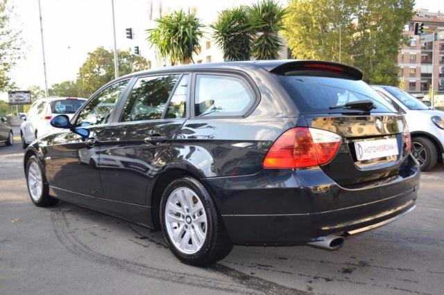 BMW 320 d Touring Attiva Automatica 177CV Immagine 3