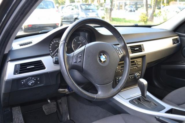BMW 320 d Touring Attiva Automatica 177CV Immagine 4