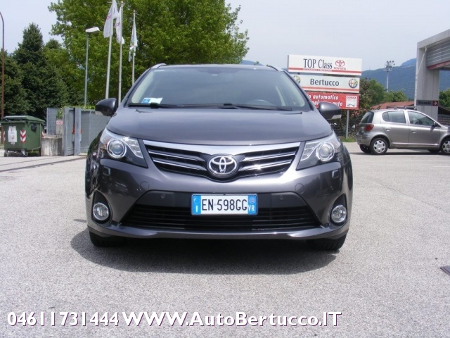 TOYOTA Avensis 2.2 D-Cat aut. Wagon Lounge Immagine 1