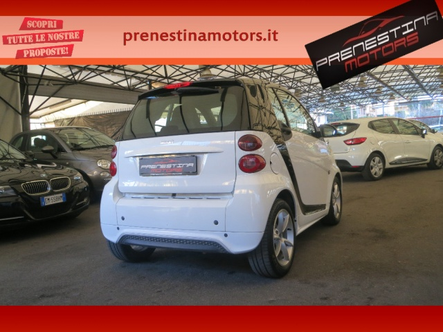 SMART ForTwo 1000 52 kW MHD coupé pulse Immagine 0