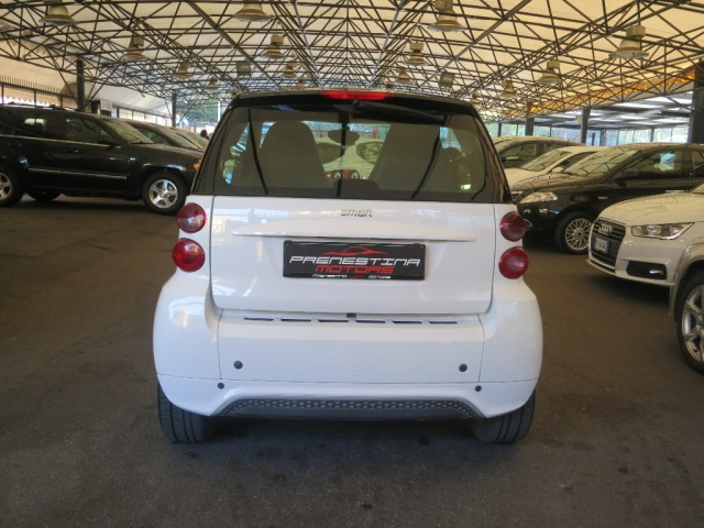 SMART ForTwo 1000 52 kW MHD coupé pulse Immagine 4
