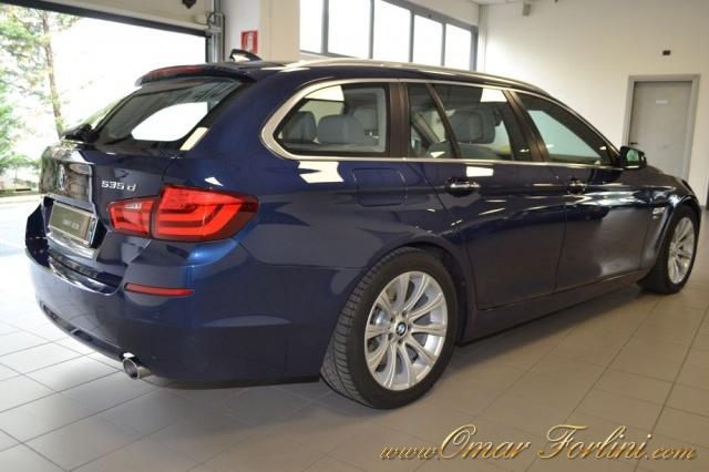 BMW 535 XDRIVE TOURING FUTURA 313CV DOP.TETTO FULLKM68.000 Immagine 2