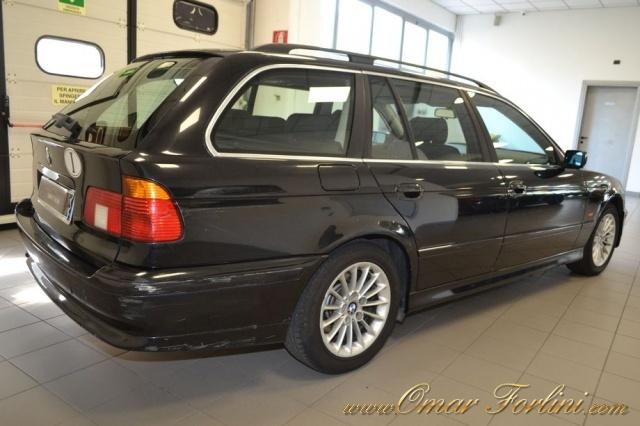 "BMW 530 d TOURING 193CV 5M BARRE CLIMA CERCHI16"" IN ORDINE Immagine 2"