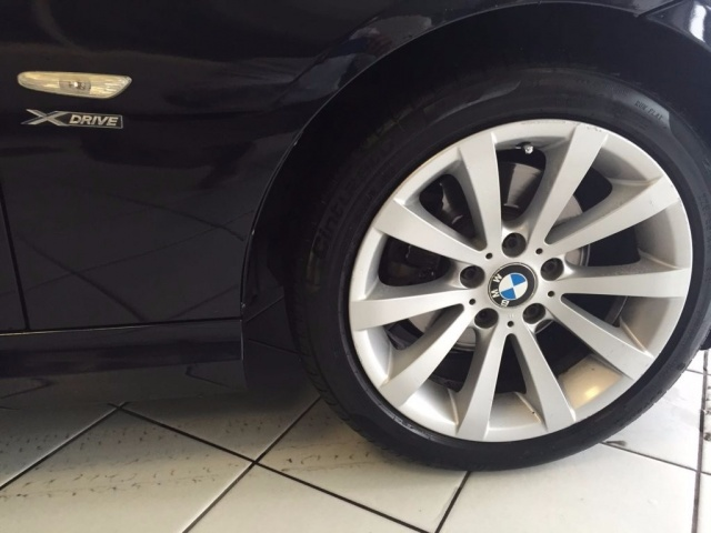 BMW 320 d cat xDrive Touring Futura Immagine 4