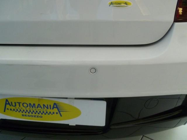 BMW 116 d 2.0 116CV cat 5 porte Immagine 4