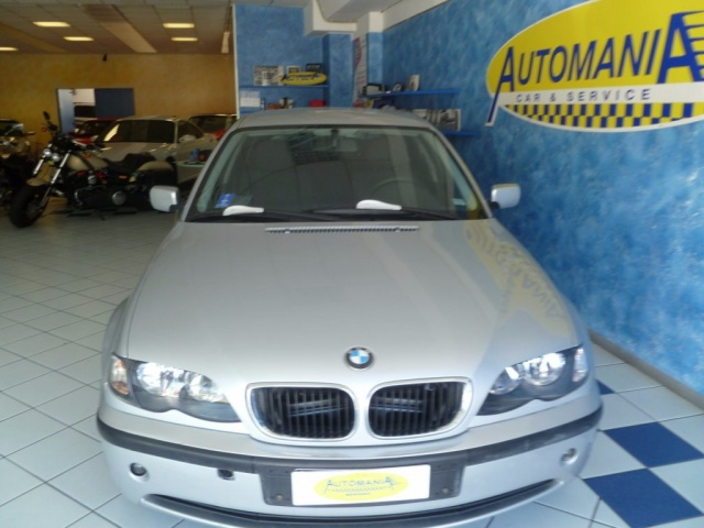 BMW 320 d turbodiesel Immagine 0